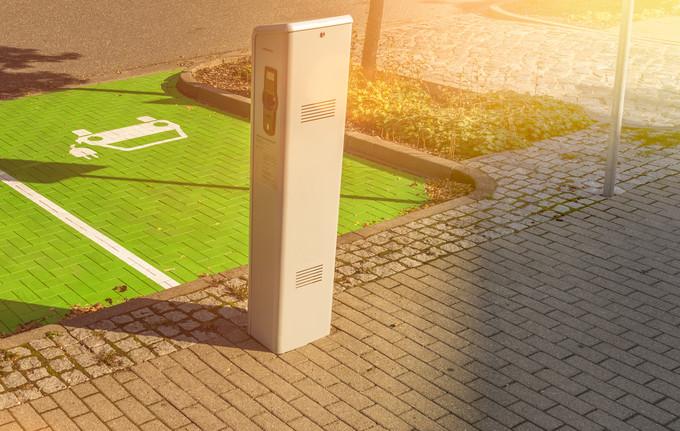 Ladeinfrastruktur und E-Mobilität
