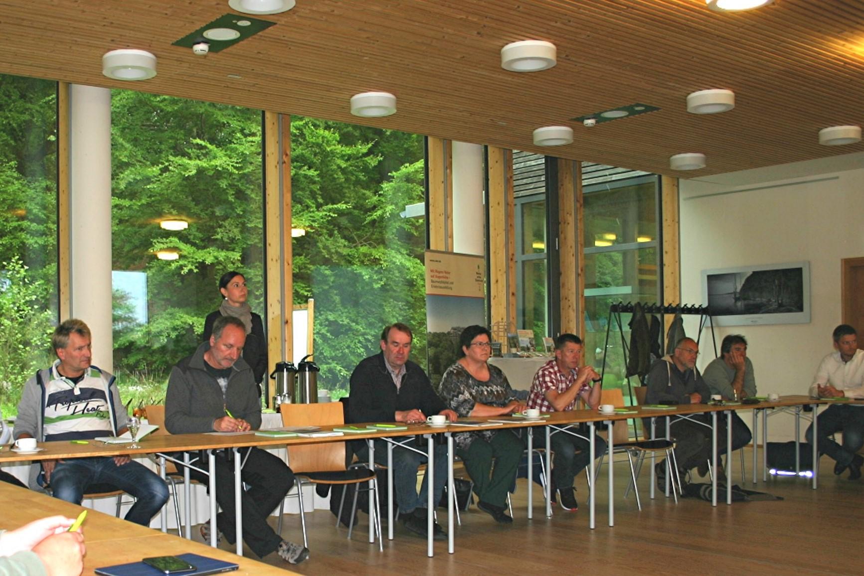 BU: Großes Interesse bei den Unternehmen am Stammtisch von MVeffizient im Naturerbe Zentrum Rügen (Foto: MVeffizient/Peter Täufel)