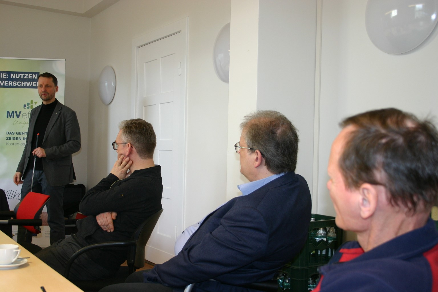 BU: Dr. Uwe Borchert, Technischer Berater der LEKA MV, stellt die aktuellen Rahmenbedingungen sowie Fördermittel und Vergünstigungen von Bund und Land vor (Foto: LEKA MV/ Peter Täufel).