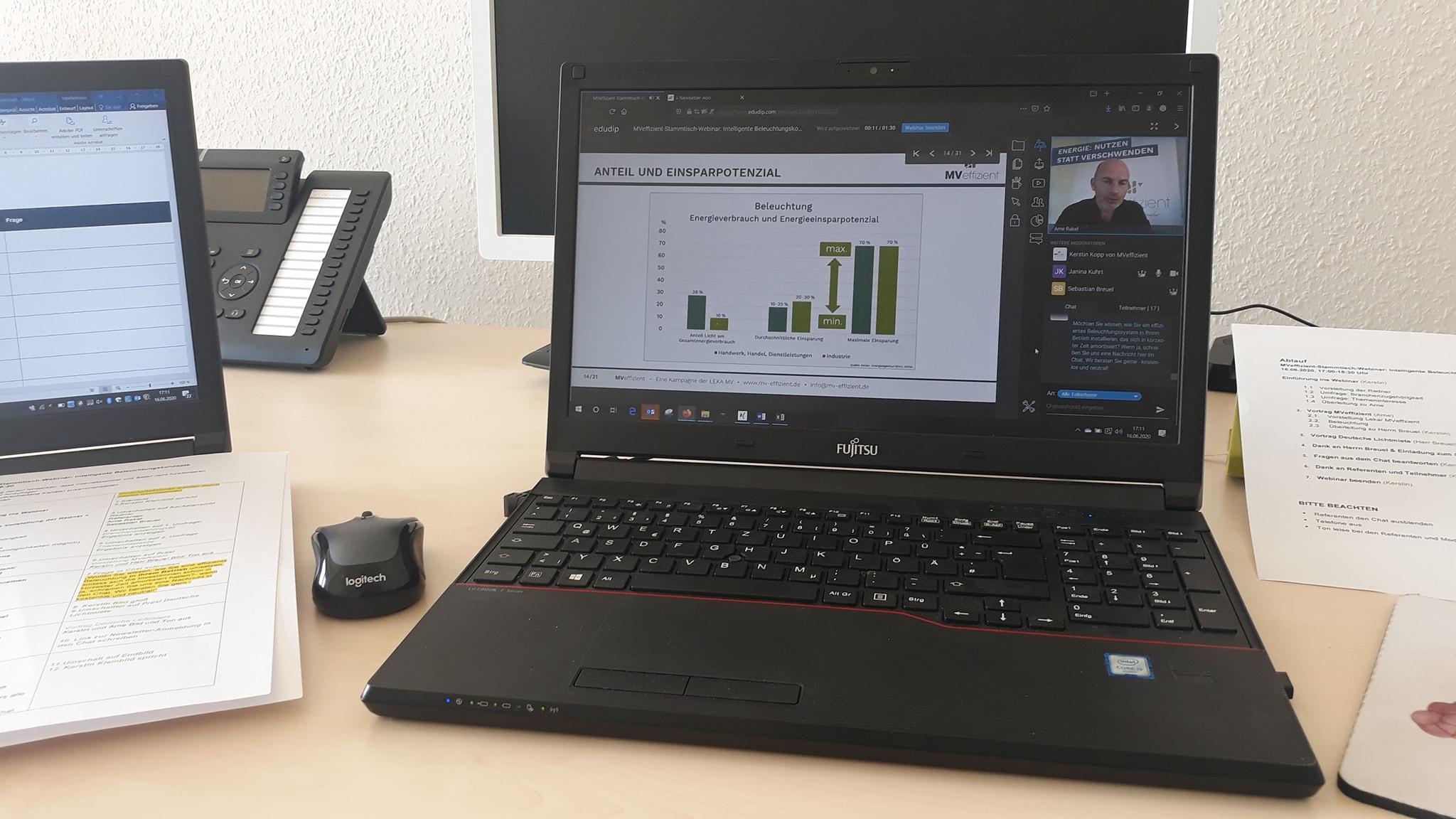 BU: Arne Rakel, Technischer Berater der LEKA MV, erläutert effiziente Beleuchtungssysteme beim MVeffizient-Online-Stammtisch (Foto: MVeffizient/LEKA MV)
