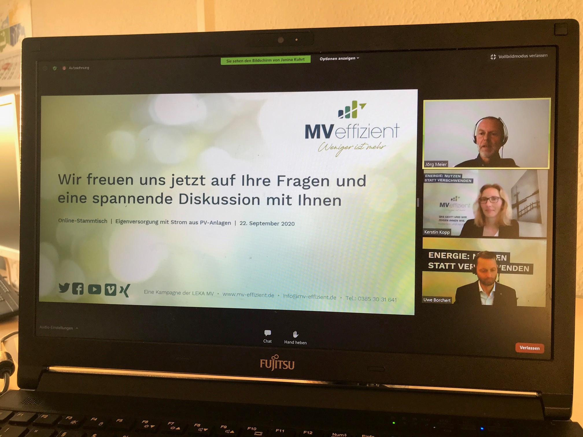 BU: Jörg Meier von MRT sowie Kerstin Kopp und Dr. Uwe Borchert von LEKA MV stellen sich online den Fragen der Unternehmer (Foto: LEKA MV).