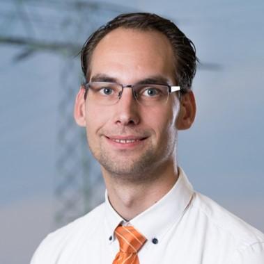 BU: Tom Beier, Business Controller e.distherm Wärmedienstleistungen GmbH, informiert beim MVeffizient-Stammtisch über Lösungen im Energiecontracting für Unternehmen (Foto: e.distherm Wärmedienstleistungen GmbH)