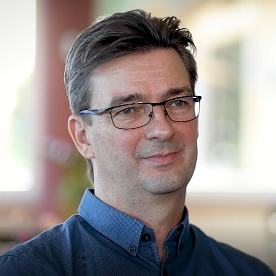 BU: Dirk Klein, Manager für Nachhaltigkeit und Digitalisierung engagiert sich seit 14 Jahren im Haffhus Ueckermünde für einen CO2-reduzierten Hotel- und Restaurantbetrieb (Foto: LEKA MV).